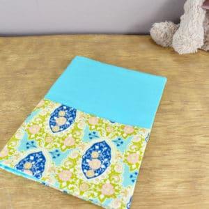 Carnet de Santé en Tilda Charlotte Blue, coton uni bleu turquoise