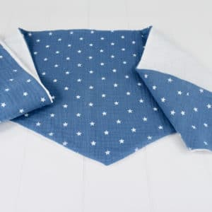 Chèche été enfant en double gaze étoiles blanches sur fond bleu et coton lange blanc