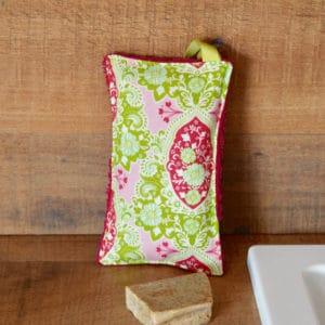 Eponge en Tilda Charlotte Pink, éponge rose, ruban vert