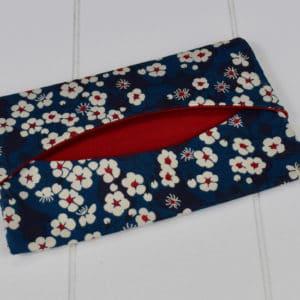Etui à mouchoir en Liberty Mitsi Bleu Pétrole et coton uni rouge