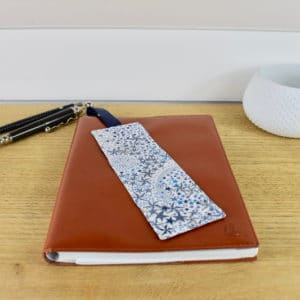 Marque-page en Liberty Adelajda Bleu turquoise, ruban bleu foncé