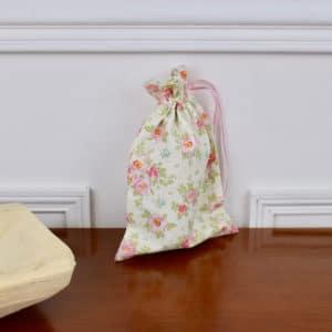 Pochon taille petite en Tilda Rosa Mollis Linen, interieur beige, ruban rose