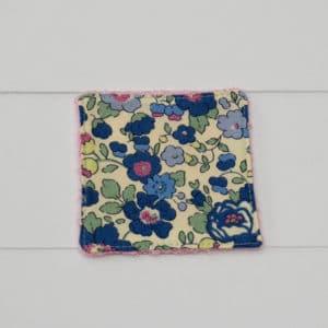 Lingette bambou rose en Liberty Betsy Bleu et Vert