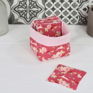 Panière et lingettes en Tilda Rabbit & Roses Pink et coton uni rose