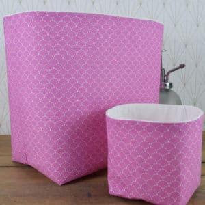 Duo de panières en coton imprimé écailles blanches sur fond rose et coton uni blanc