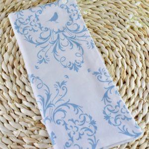 Etui livret de famille en Gutermann Ornement bleu sur fond blanc, intérieur bleu