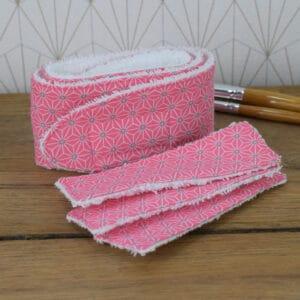 Coffret soin de la peau, un bandeau et trois lingettes rectangulaires en éponge blanche et coton imprimé Asanoha rose